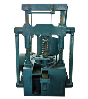 Semi-closed coal briquetting machine